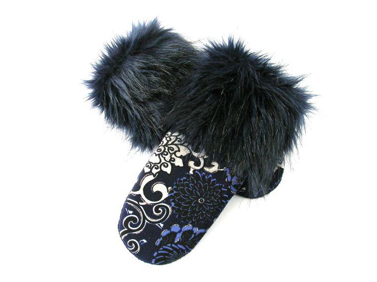 Mitaines bleues, mitaine pour femme, mitaine et fourrure bleue, laine bouillie, matières recyclées, mitaine élégante, mitaine chic, mitaines de la boutique CroqueMitaines sur Etsy