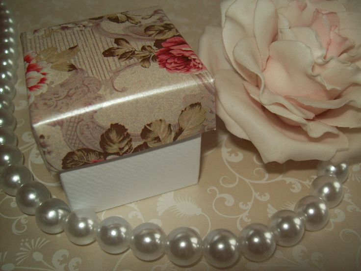 Vintage rose favour box, pretty vintage floral shabby chic style wedding favour