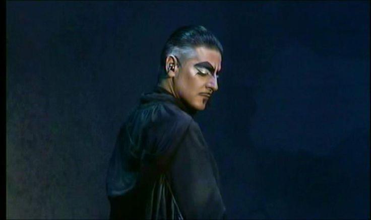 Vittorio Matteucci as Frollo, italian Notre Dame De Paris