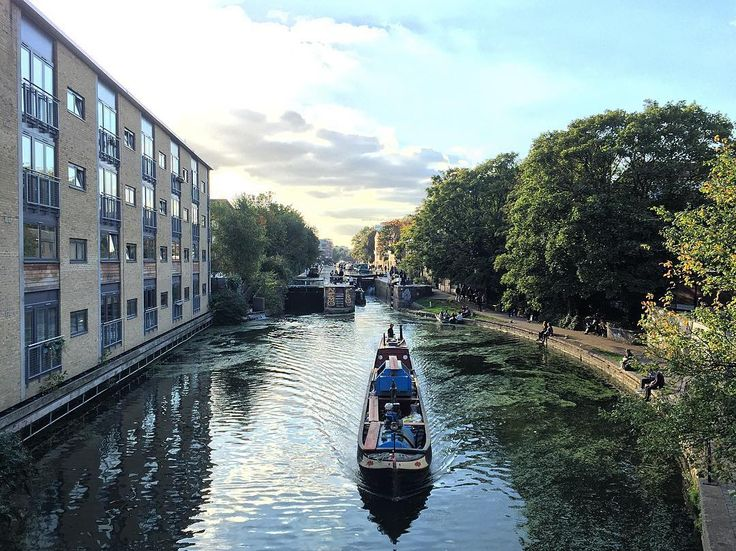 Regent's Canal  #regentscanal #broadwaymarket #london #thisislondon by agustinciarfaglia