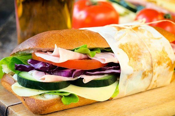 Kaşarlı Soğuk Sandviç Tarifi - Yemek Tarifleri