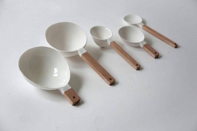 measuring spoons by Niels Datema
