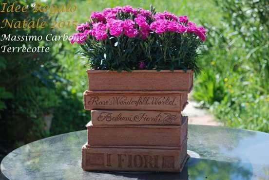 BOOK TERRACOTTA VASES!  Everything is real! !