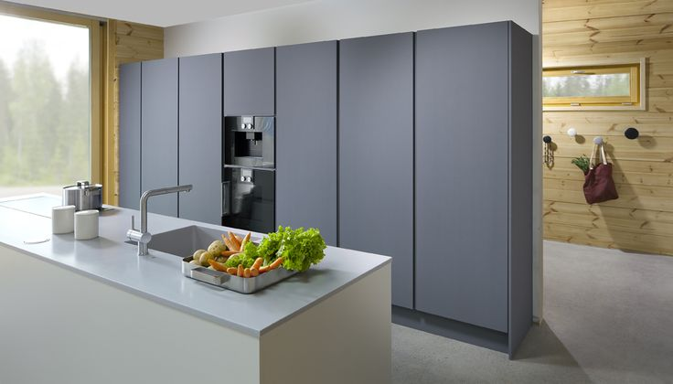 State of the art kitchen combines different shades of grey. Nixi-keittiöt. Honka Lumi.