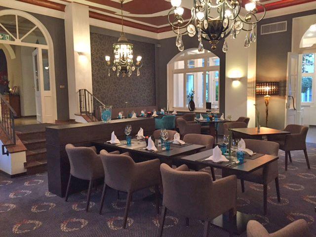 136 besten hotel restaurant gastronomie st hle bilder auf pinterest. Black Bedroom Furniture Sets. Home Design Ideas