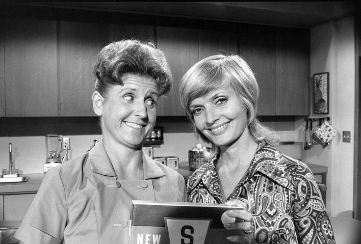 Ann B. Davis dies at 88; actress best known for 'Brady Bunch' role