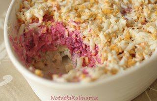 Łotwa: Silke kazoka - sałatka śledziowa na różowo