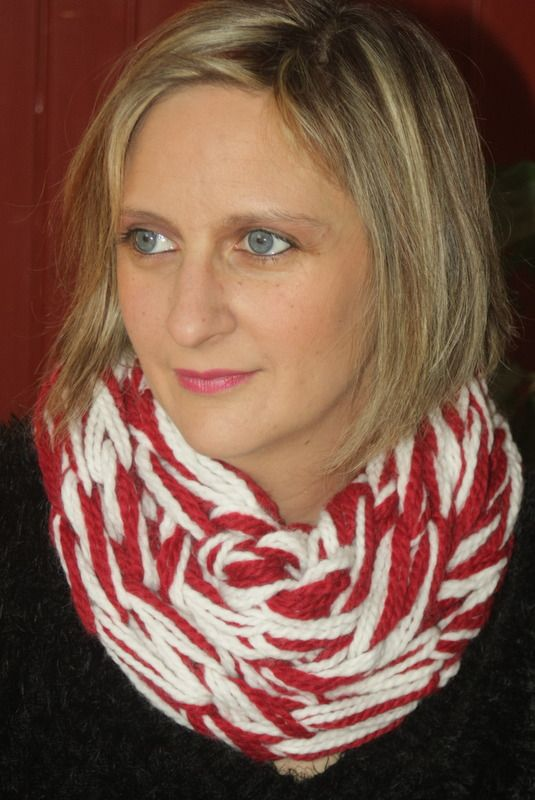 Snood 2 tours rouge amarante et craie : Echarpe, foulard, cravate par magalie-tissot-creations