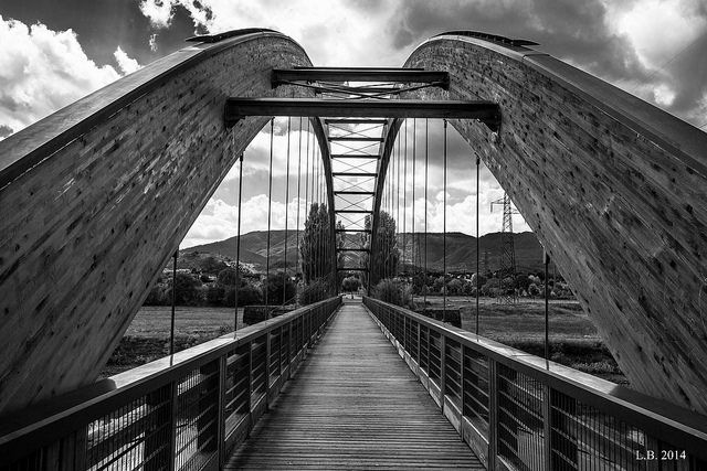 The bridge (lago di Bilancino - Firenze)