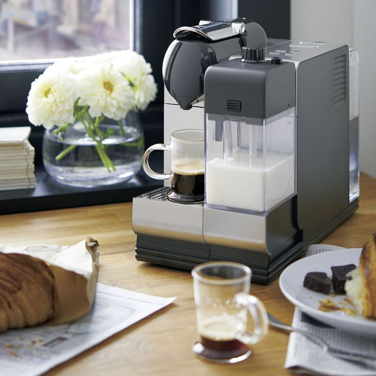 Two leaders in modern coffee technology unite to create a premium pump espresso maker with the convenience of single-serve capsules. The high-tech Lattissima is crafted in Italy with 19 bars of pressure and a one-touch milk frother to create cappuccino, latte or macchiato in seconds.