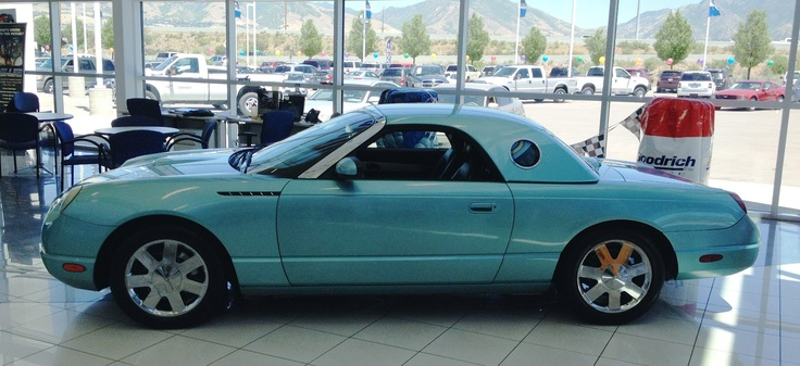 I love this color of the 2002 thunderbird.