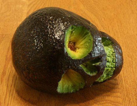 skull avocado: Skulls, Halloween Parties Ideas, Avocado Skull, Halloween Crafts, Skeletons, Halloween Food, Foodart, Food Art, Happy Halloween