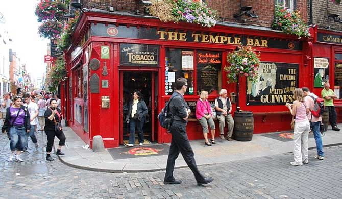 Dublin Literary Pub Crawl    The Dublin Literary Pub Crawl is a walking tour of Dublin's historic pubs in the company of two actors who introduce the writers an... Get more information about the Dublin Literary Pub Crawl on Hostelman.com #event #Ireland #social #travel #destinations #tips #packing #ideas #budget #trips #pub #crawl #viator
