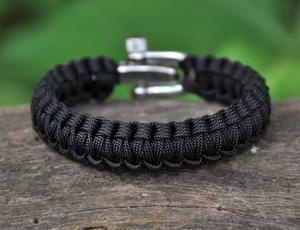 survival strap.Boys Gift, Paracord Bracelets, Gift Ideas, Survival Bracelets, Survival Tools, Products, Survival Straps, Christmas Gifts, Stainless Steel