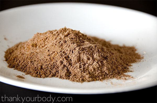 all natural homemade bronzer w/ cinnamon, cocoa powder, nutmeg, cornstarch (or arrowroot) & lavender or rosemary essential oil (omit for a loose powder)