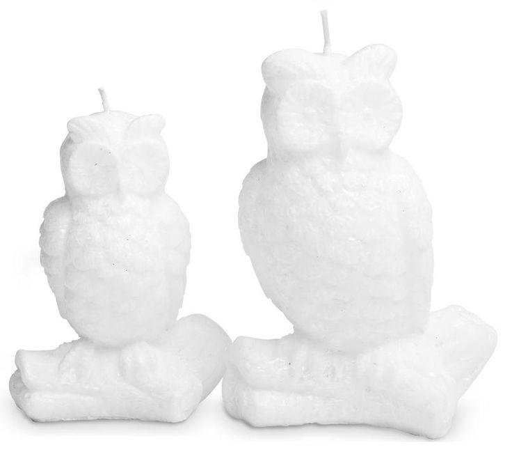 Twee mooie kaarsen in de vorm van witte uilen. 12,5 en 10 cm hoog.