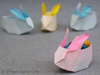 Origami Spirit: sehr gute Video-Anleitung für diesen süssen Hasenkorb. Gesehen bei The Crafty Crow