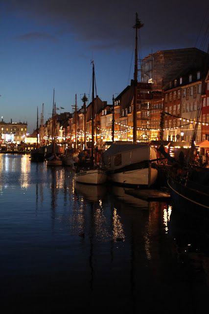 The Curated House: Christmas in Copenhagen | Part 1 | Nyhavn http://www.visitcopenhagen.com/copenhagen/culture/christmas-copenhagen