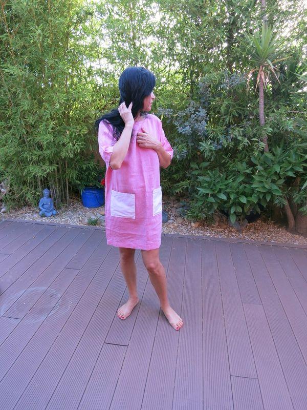 la d du stylish dress book en lin rose et poches plaquées blanches