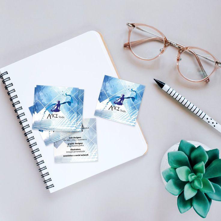 Twitter  Sono arrivati i miei nuovi biglietti da visita: quadrati, piccini, plastificati.    https://www.alkestudio.it  @alkestudiosalerno #alkespirit #GraphicDesign #WebDesign #illustration #salerno #painting #creativity #igers_salerno  #robertacoralluzzo #logo #art #design #branding #typography #job #packaging #brand #illustration #freebook #designer #ebook #cover #editoria #identity #card