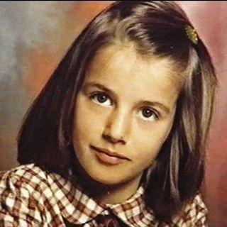 SM la Reina Consorte Doña Letizia de niña.  #Letizia #ReinaLetizia #LetiziaDeEspaña #LetiziaReina #QueenLetizia #SpanishRoyalFamily #FamiliaRealEspañola #CasaRealDeEspaña #MonarquiaEspañola #CasaReal #SpanishMonarchy #CasaBorbon #CasaBorbón #CasaDeBorbón #CasaDeBorbon #CoronaDeEspaña #CoronaEspañola #ReinoDeEspaña #Spain #España