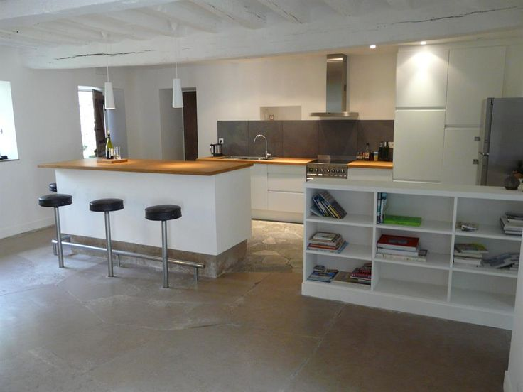 Open all white kitchen with wood color work surface and for Cuisine wood fashion