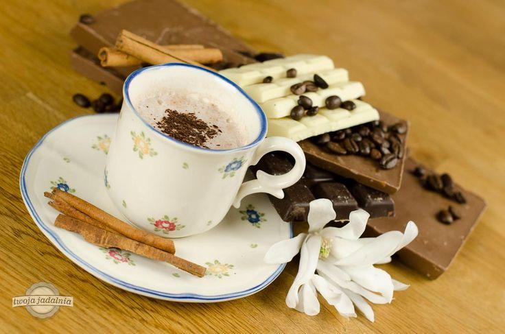 Lubicie czekoladę? Dowiedzcie się więcej o tym przysmaku na blogu Twojej Jadalni http://www.twojajadalnia.pl/blog/blog-twoja-jadalnia/pochwala-pokusy-doskonalej-czyli-w-dniu-czekolady-o-czekoladzie