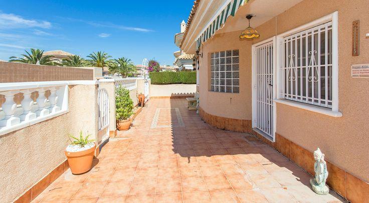 RicaMar Homes Real Estate Costa Blanca | Villa in Rocajuna - Torrevieja
