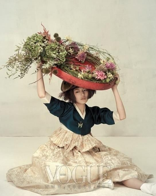 """Harvest Feast""  Photographer Ogh Sang Sun Vogue Korea (Oct 2010)"