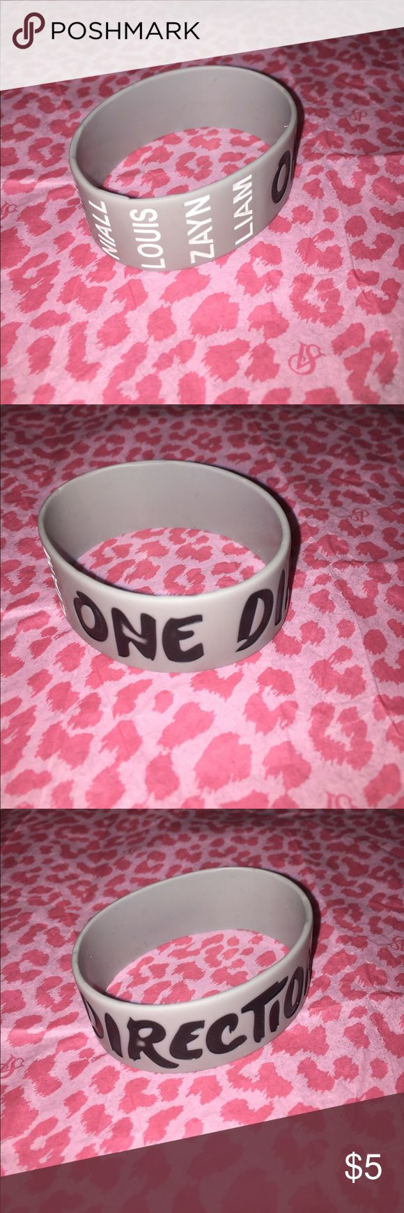 """One direction 1"""" silicone wristband One Direction silicone 1"""" wristband with all 5 original names Accessories Jewelry"""