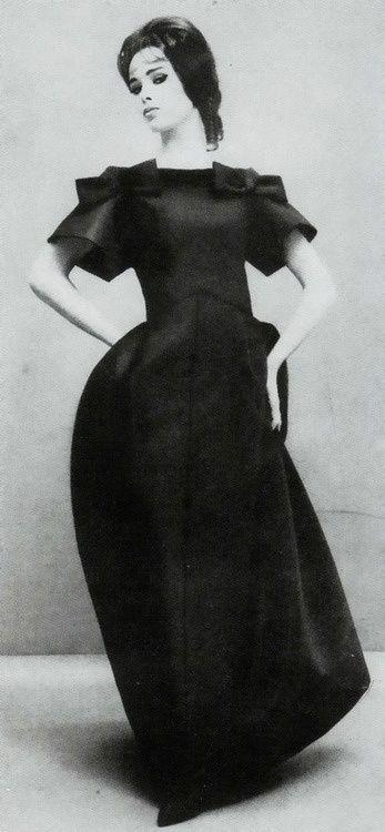 BALENCIAGA - VINTAGE CLOTHES -  ANTIQUE CLOTHING - ROPA ANTIGUA - @JenniferManteca on Twitter