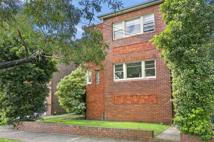 3/51a Forsyth St. Kingsford 2 Bed 1 Bath  http://www.belleproperty.com/buying/NSW/Eastern-Suburbs/Kingsford/Apartment/40P1849-3-51a-forsyth-street-kingsford-nsw-2032