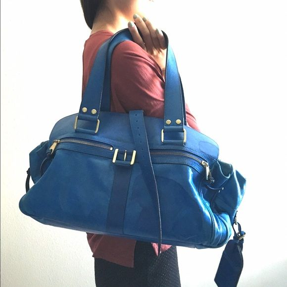 Rare blue Mulberry bag Rare blue color. Soft leather. Very practical. IT bag. Got visible rain stain. 80% new Mulberry Bags Shoulder Bags
