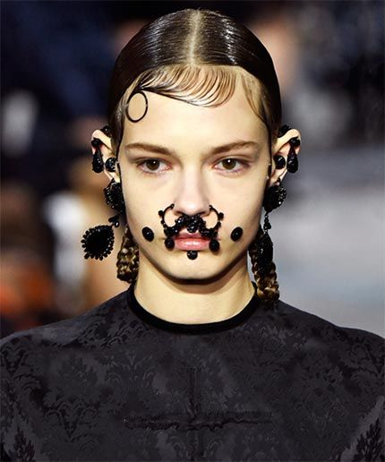 """Givenchy's """"Victorian Chola"""" Theme Elicits Mixed Feelings"""