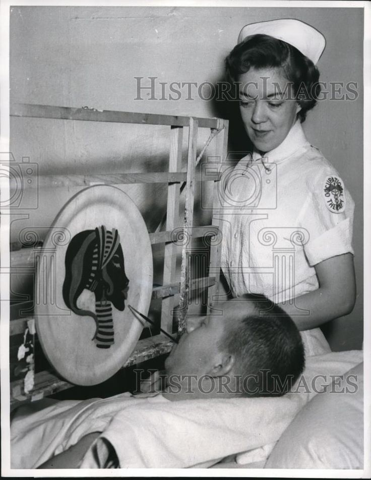 1961 Press Photo - Wallace painting in iron lung as nurse V. Niles, RN watches | Collectibles, Photographic Images, Contemporary (1940-Now) | eBay!