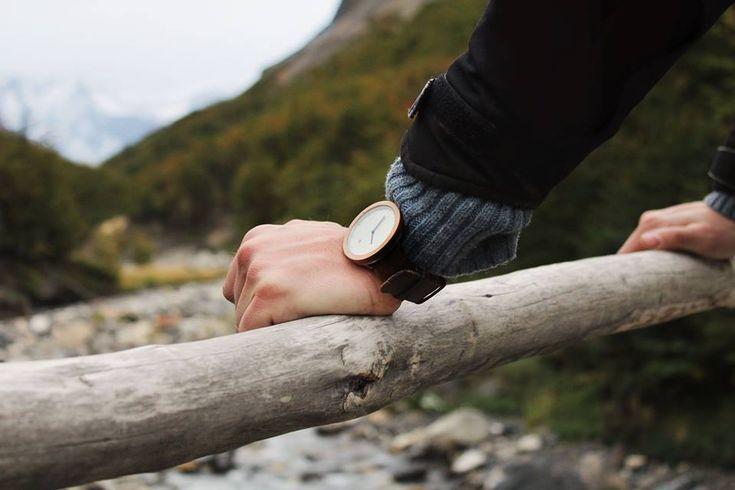 TTANTI - Reloj Madera Hombre echo en Chile, Modelo Maggallanes Withe, madera de la patagonia.