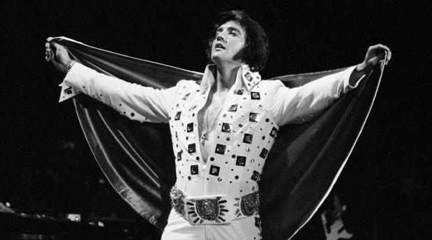 What can I possibly say about the king of rock and roll that hasn't already been said and documented? Tony Curtis, Lisa Marie Presley, Nicolas Cage, Elvis Presley, Rock And Roll, Hostel, Rey, Concerts, Editorial