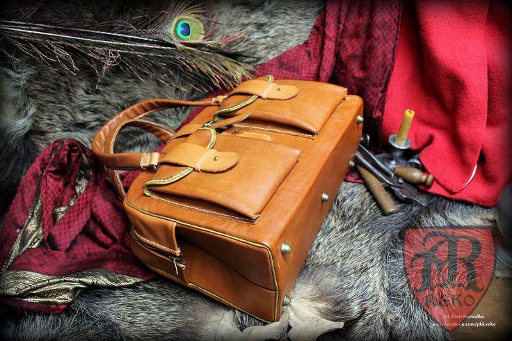 Leather hand-sewn bag. www.facebook.com/pkk.reko