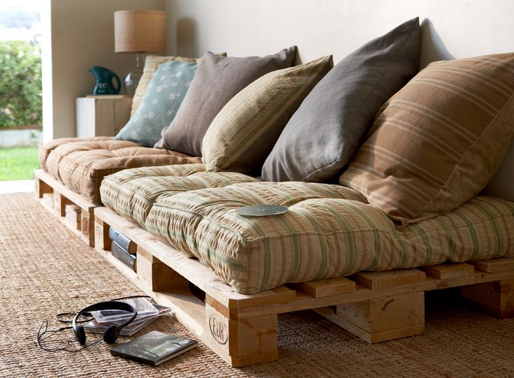 this is absolutely great! it's not expensive and it looks good. this a perfect idea for a teenage room or a 'chill' room.