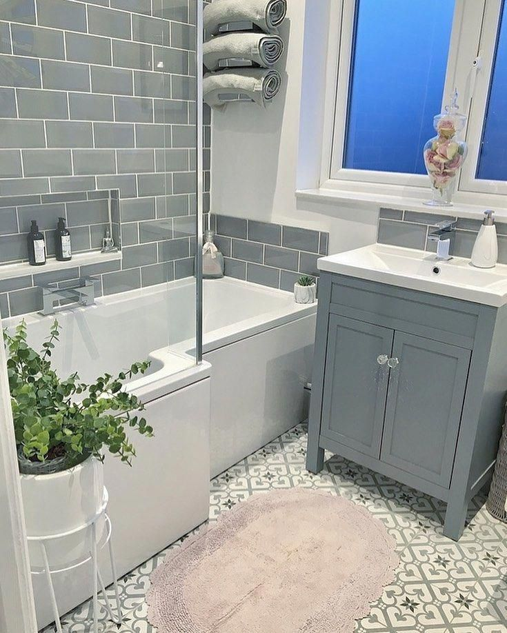 Jen On Instagram Good Morning Guys After Being Up So Late Last Night At A Wedding And Pos In 2020 Small Bathroom Makeover Bathroom Interior Bathroom Interior Design