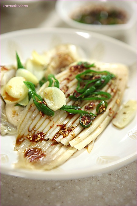 Steamed skate with spicy soy dressing | Delicious Sans Carne ...