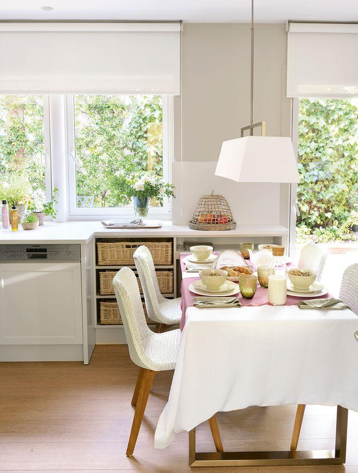 ideas prcticas para tenerlo todo en su sitio en la cocina tips para los armarios y cajones perfectos e inspiracin para aadir una zona office