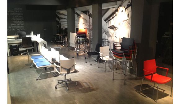Executive and Task Chairs in Showroom Madrid. #office