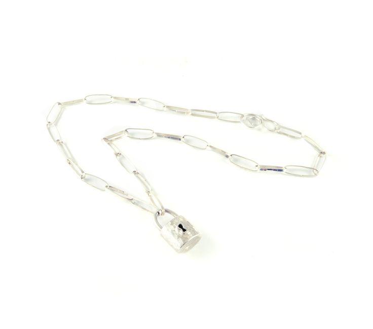 Padlock Necklace / @mellisjewelry