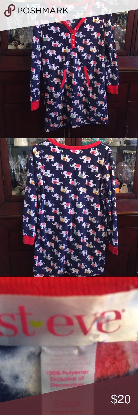 Like new St Eve flannel nite shirt Cute nite shirt Intimates & Sleepwear Shapewear