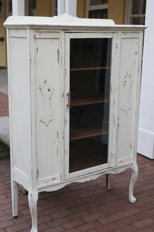 17 best images about maison blanche on pinterest chalk paint desk paint colors and loft - Refinishing furniture ideas painting ...