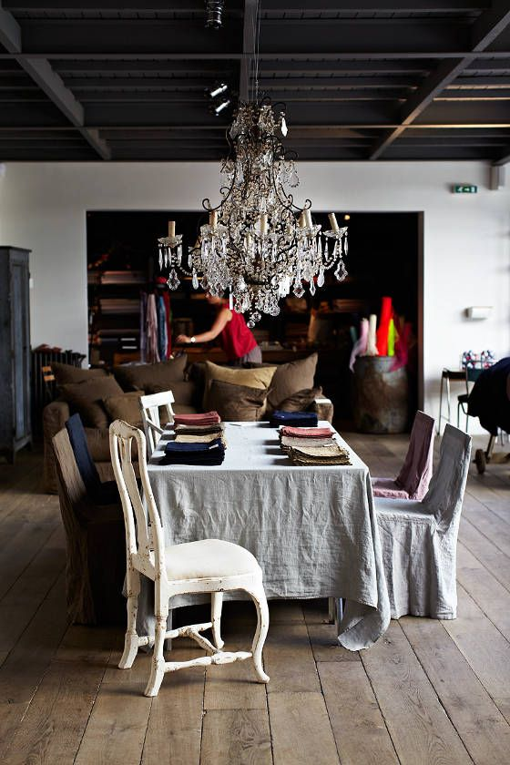 desire to inspire - desiretoinspire.net - Thuss+FarrellDining Rooms, Crystals Chand, Spaces, Rustic Dining, Apartments Therapy, Mercy Paris, Design Secret, Beautiful Room, Dining Tables