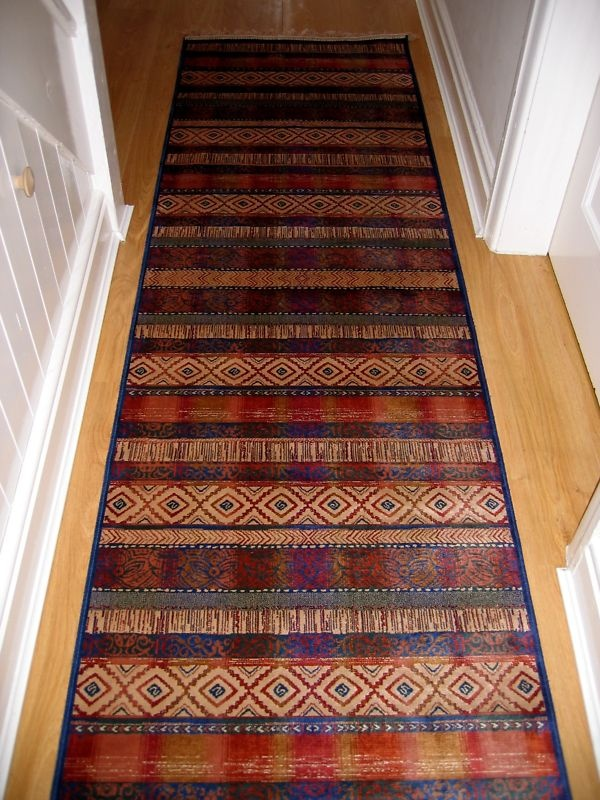 Long hall runner modern stripey design hall runner rug for Contemporary runner rugs for hallway