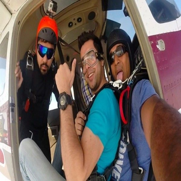 Sky Diving Tandem Jump -  We offer tandem jumps, the easiest and safest way to skydive for the first time. It allows you to experience the thrill of your first skydive safely strapped and securely harnessed to the skydiving instructor.