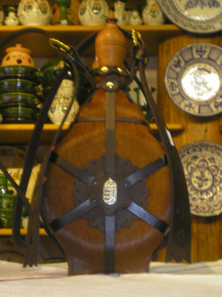 Hungarian flask (csikóbõrös kulacs) made of leather.